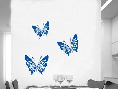 наклейки бабочки на стене в кухне